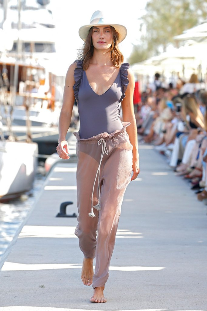 Laura Vecino 2020春夏泳装秀 - Barcelona Spring 2020