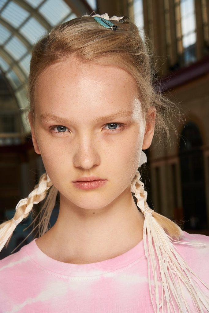 西蒙娜·罗莎 Simone Rocha 2020春夏高级成衣秀(后台妆容) - London Spring 2020