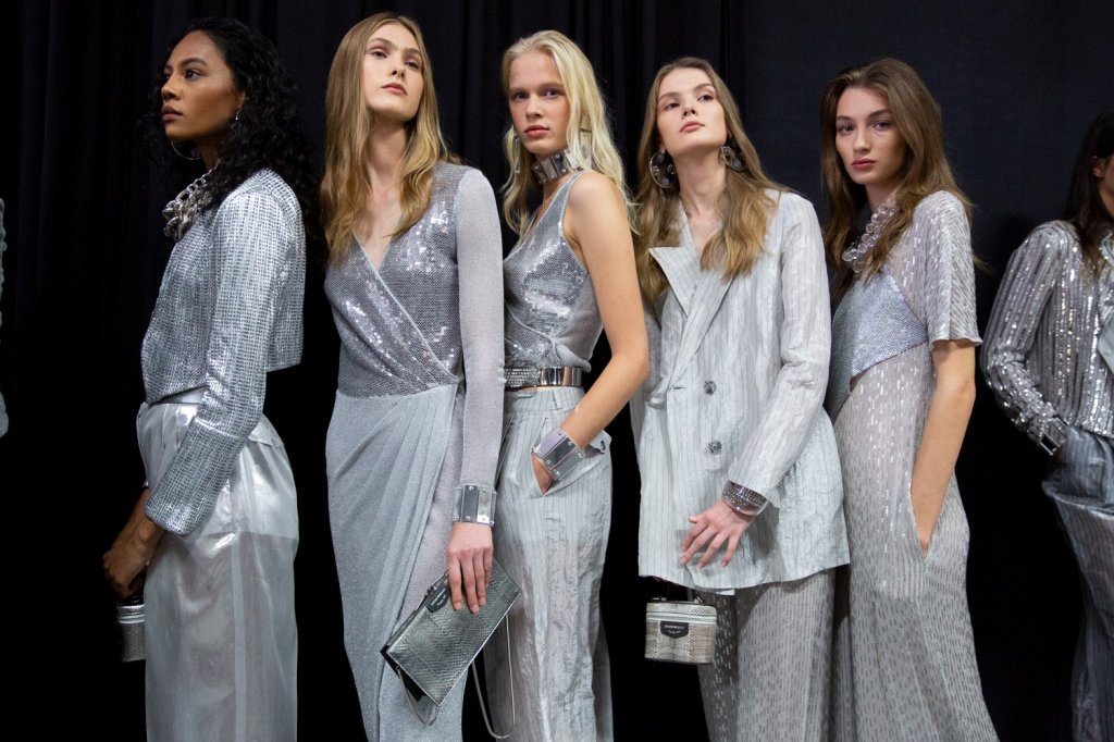 安普里奥·阿玛尼 Emporio Armani 2020春夏高级成衣秀(后台妆容) - Milan Spring 2020